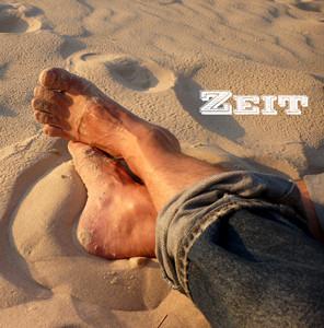 feet-604379
