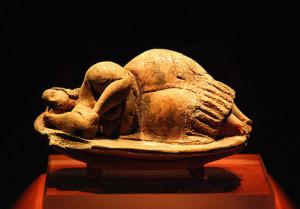 schlafende Dame Skulptur von Malta