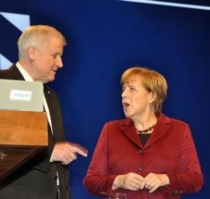 542px-Angela_Merkel_mit_Horst_Seehofer_1597