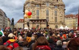 640px-Dresden-Kundgebung_für_Weltoffenheit_am_10._Januar_2015-28